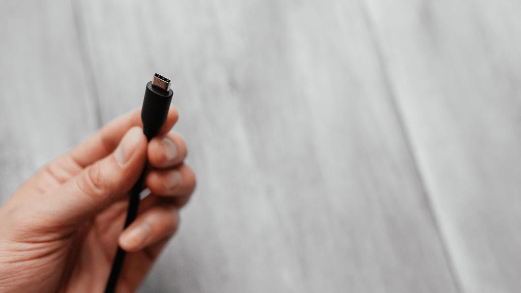 connettere dualsense ps5 tramite cavo